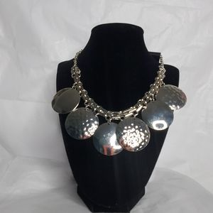 Avenue silver necklace with earrings set